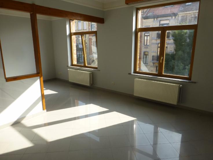 Appartement rénové – 80m² – Plasky