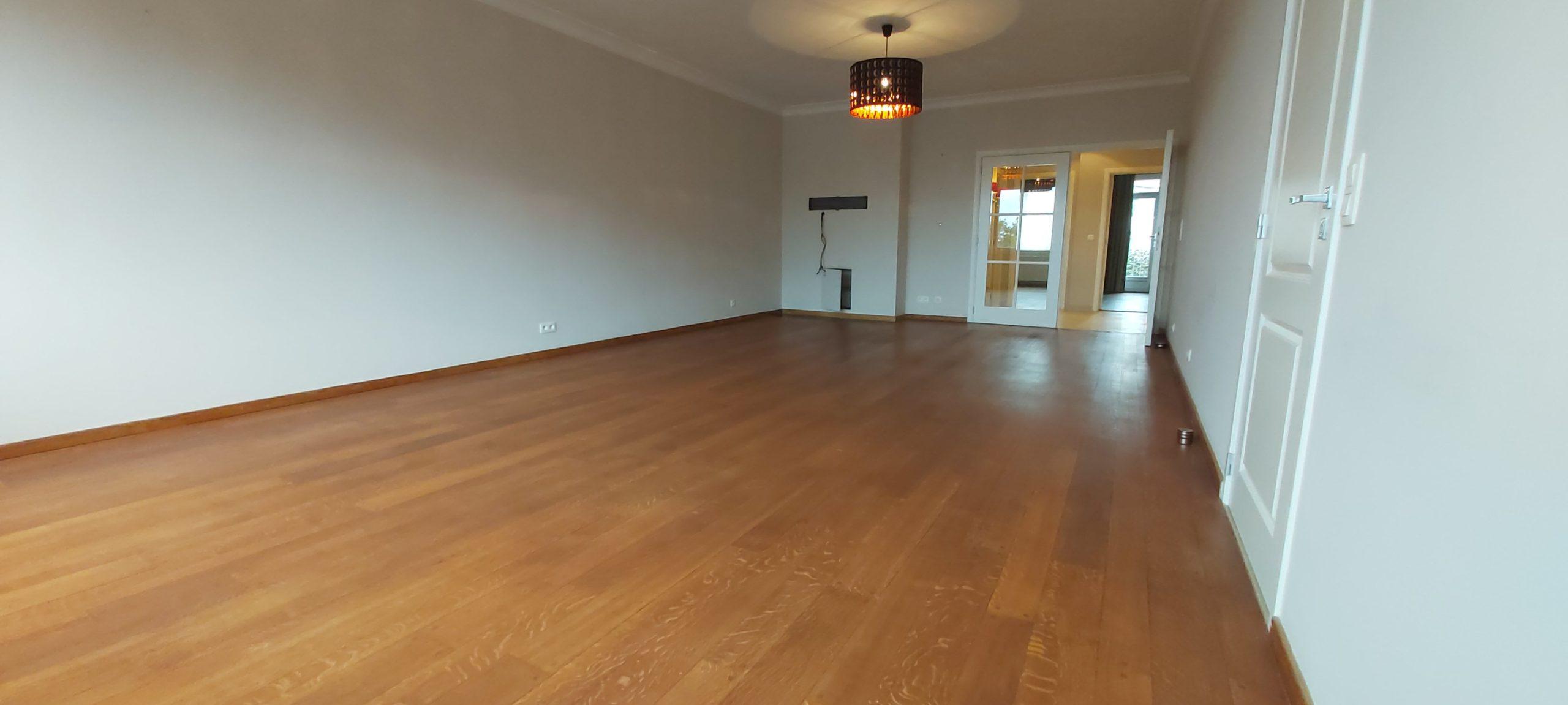 Superbe appartement 113 m² parquet 2 chs living cuisine hyper eqp terrasse poss garage