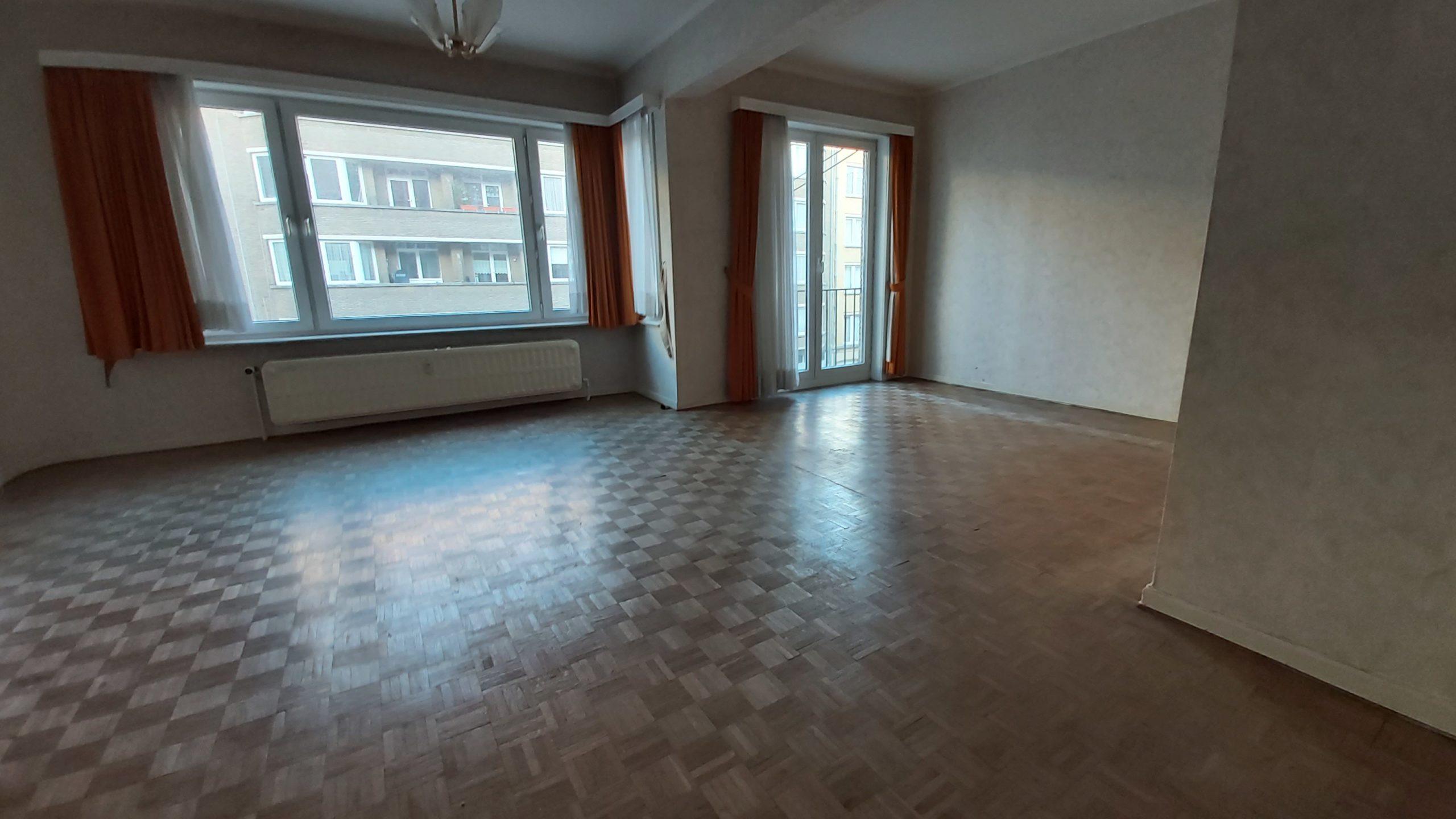 Prox métro Houba Brugman bel appartement lumineux 90m² 2 chs petite terrasse