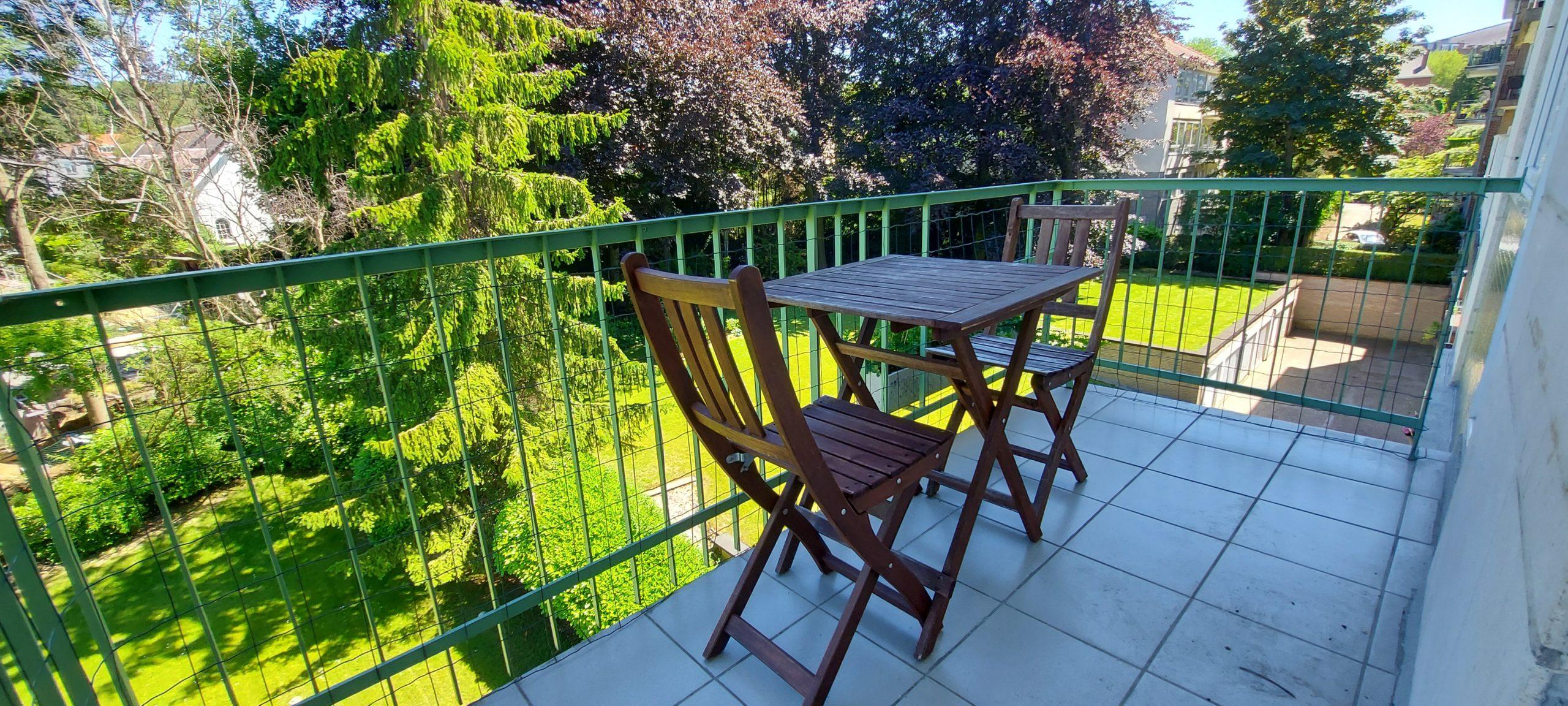 Prox Etangs Mellaerts , superbe appartement 103 m² parquet 2 chs terrasse box garage