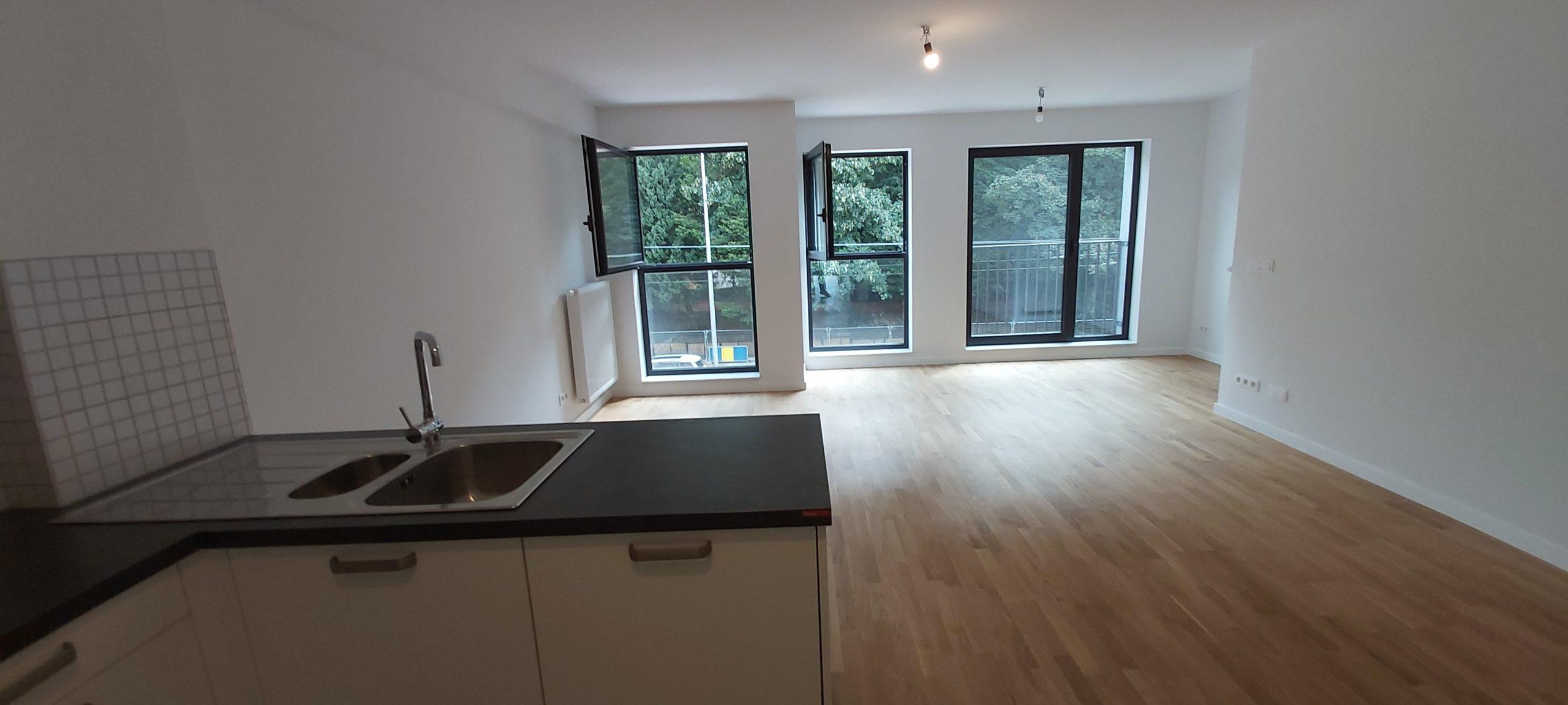 Face au domaine Royal, superbe appartement neuf 2 chs 2 sdb terrasse garage.